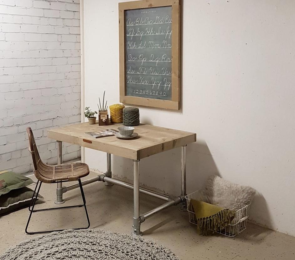Geef je woning en werkplek een make-over met steigerhouten meubels