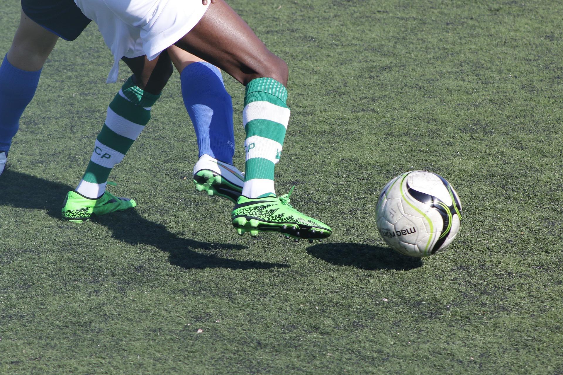 Op kunstgras voetballen slecht voor uw gezondheid? ( woensdag 5 oktober 2016 om 21:10 uur bij de VARA op NPO 2 )