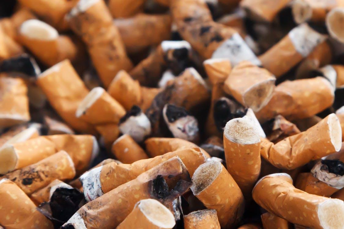 Weet wat je rookt; ziekenhuis doet aangifte tegen tabaksfabrikanten