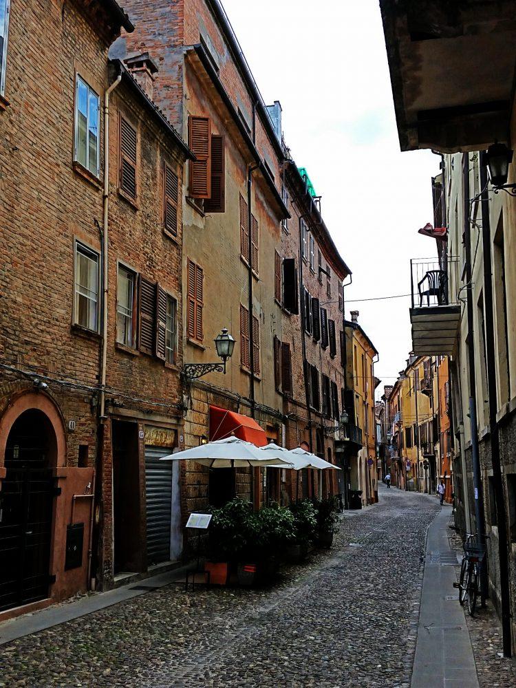 Straatje Ferrara