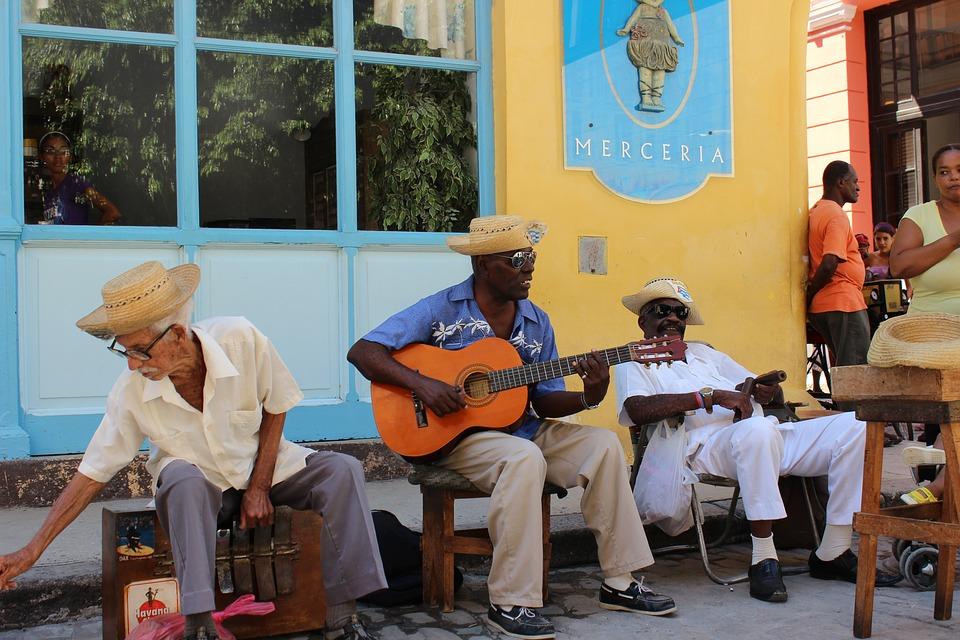 Hebben Cubanen aan het einde van het jaar toegang tot mobiel internet?