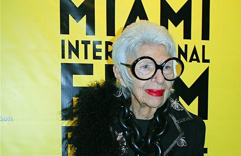Zo inspirerend is Iris Apfel, 97 jaar inmiddels