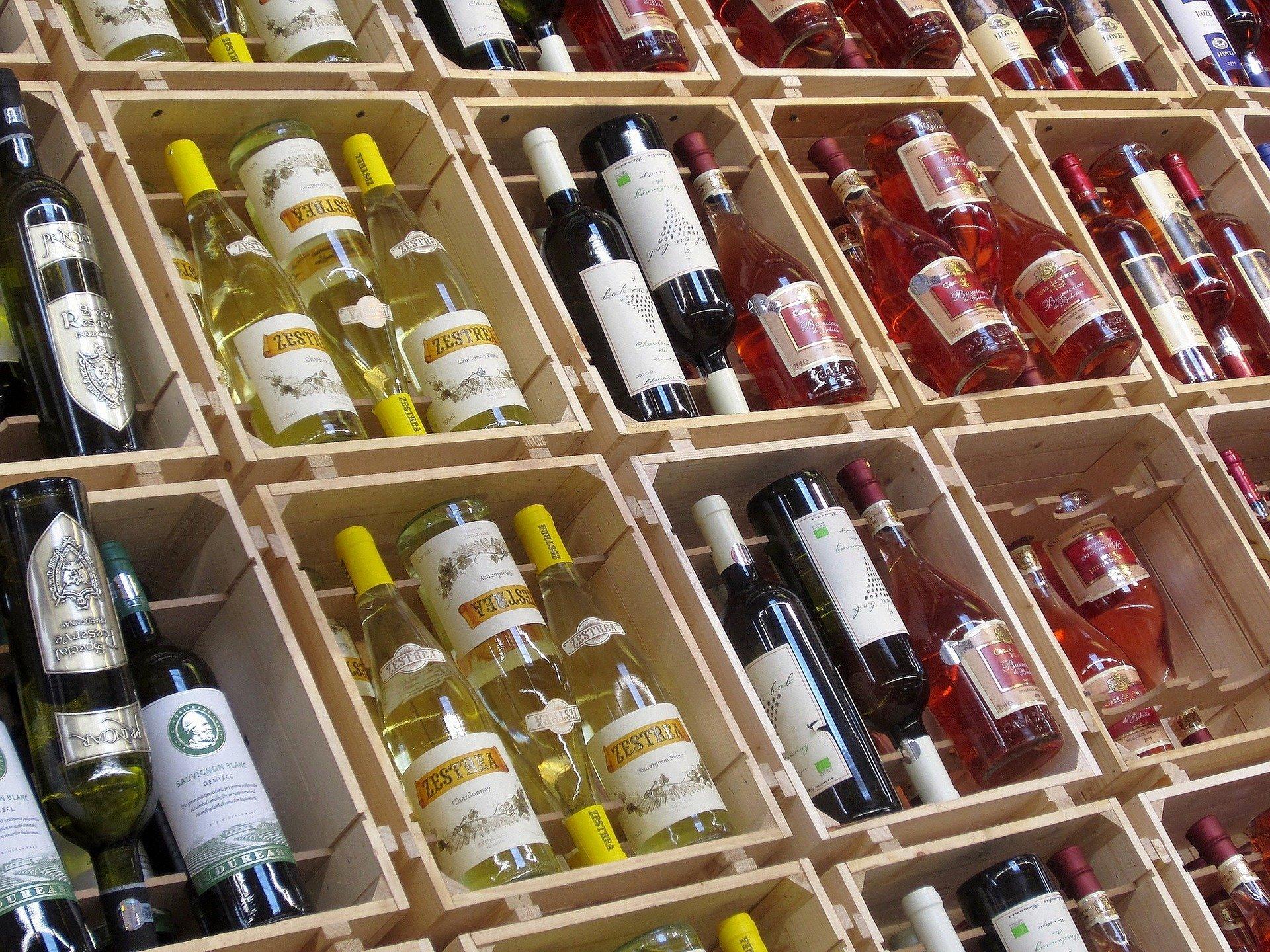 Kabinet gaat alcohol verkoop via internet aan banden leggen