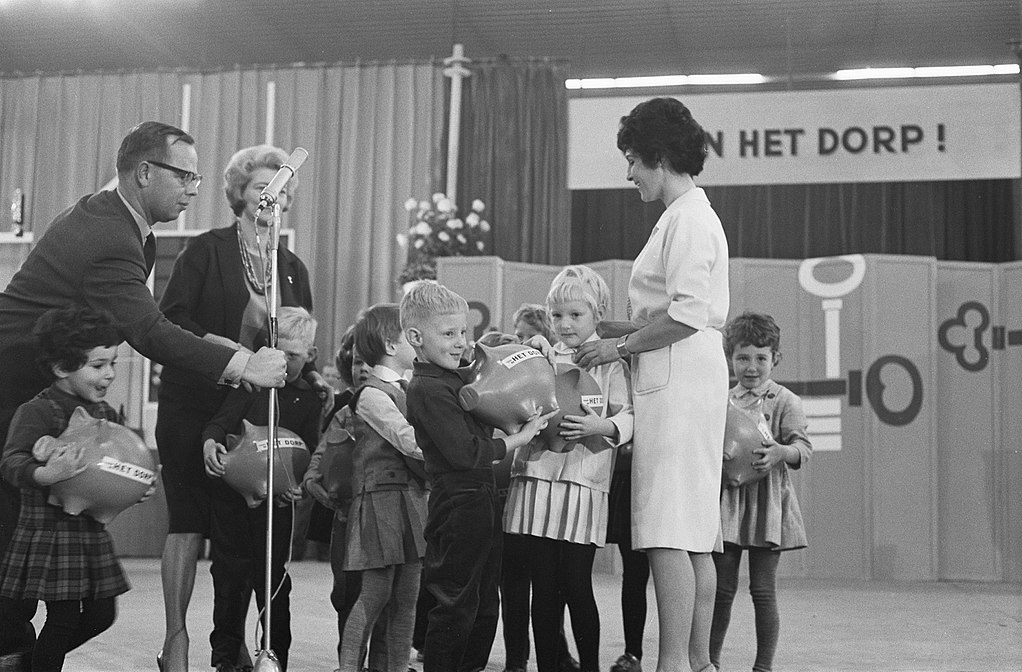 26 en 27 november 1962: Mies Bouwman presenteert Open het Dorp