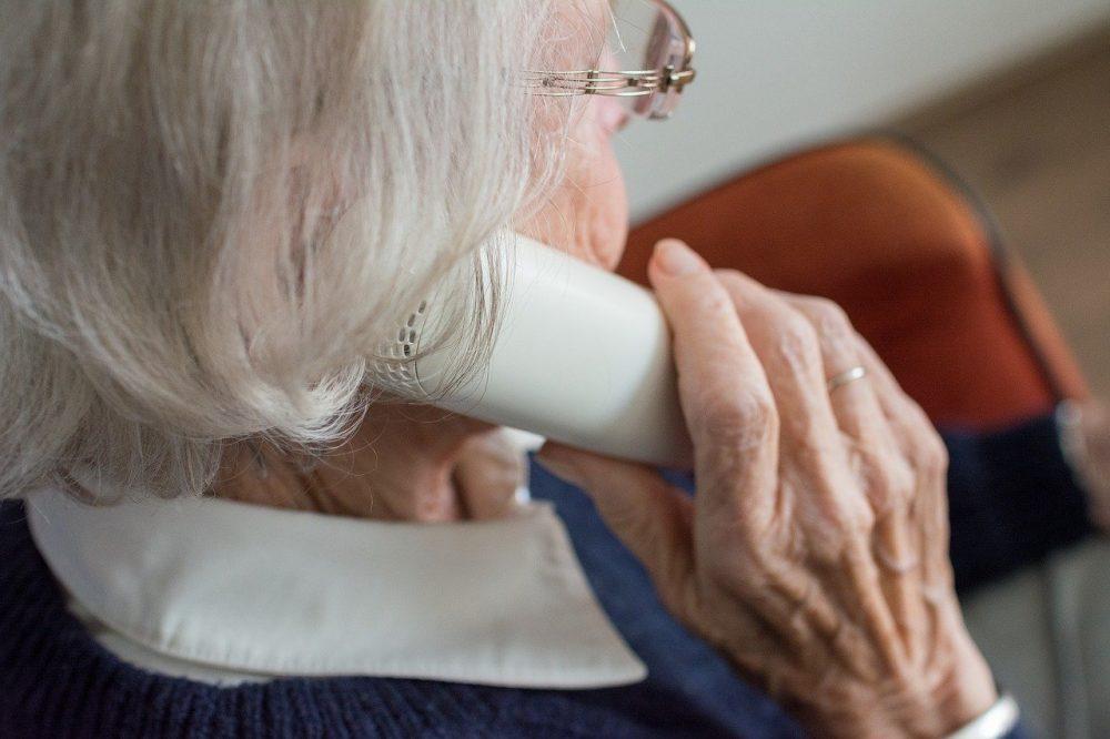 Hoe het coronavirus eenzaamheid onder ouderen vergroot