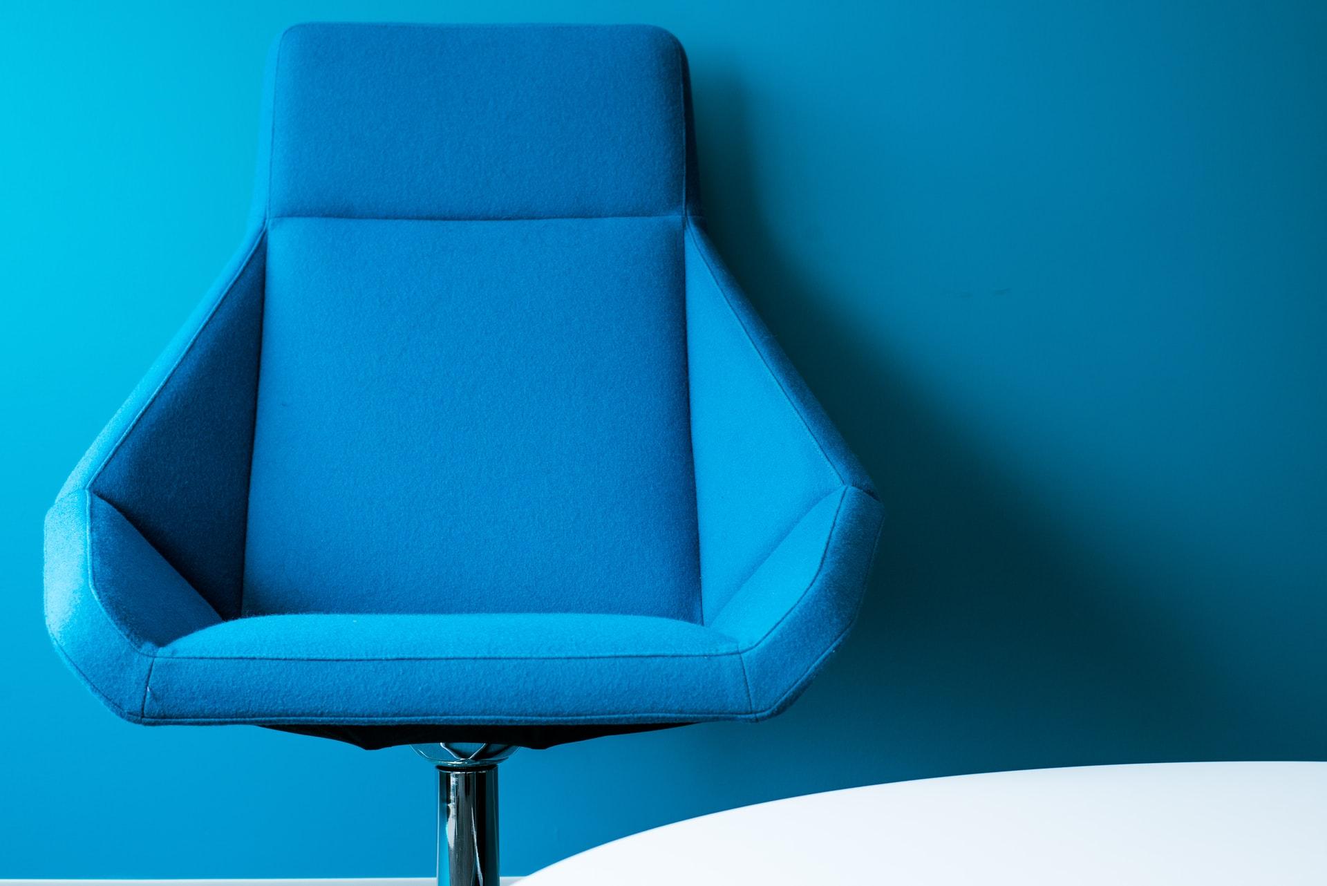 Waar moet je op letten bij het kopen van een bureaustoel voor een senior?